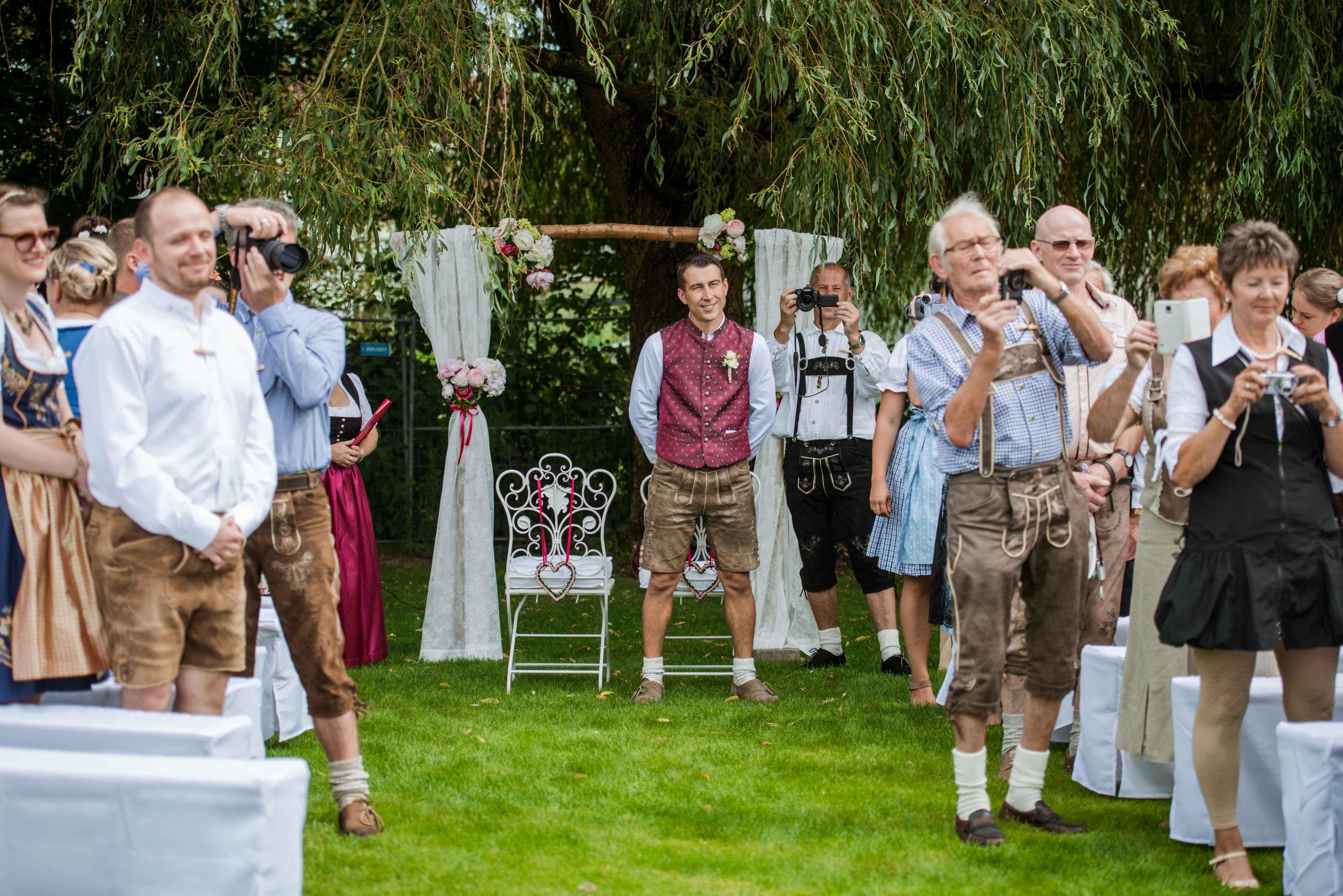 Und wieder fotografieren alle Gäste