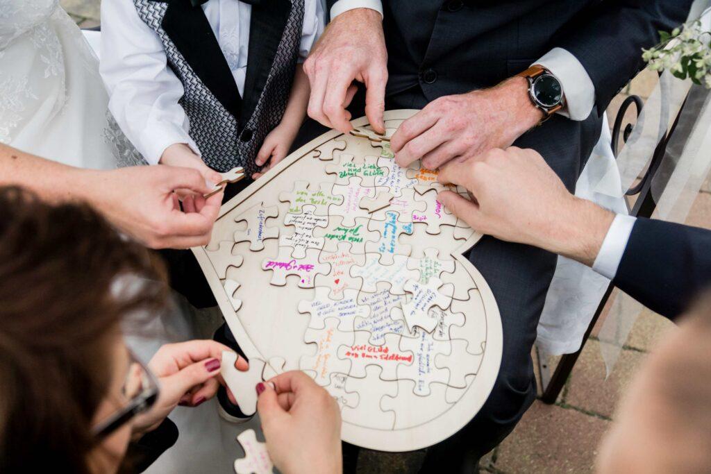 Puzzle als Ritual einer freien Trauung in München